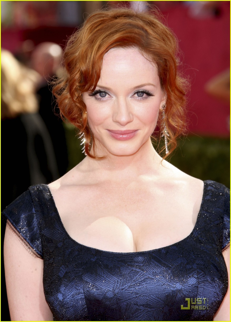 Christina-Hendricks-the-2009-Emmy-Awards-mad-men-8244949-877-1222