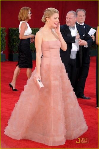 Drew @ the 2009 Emmy Awards