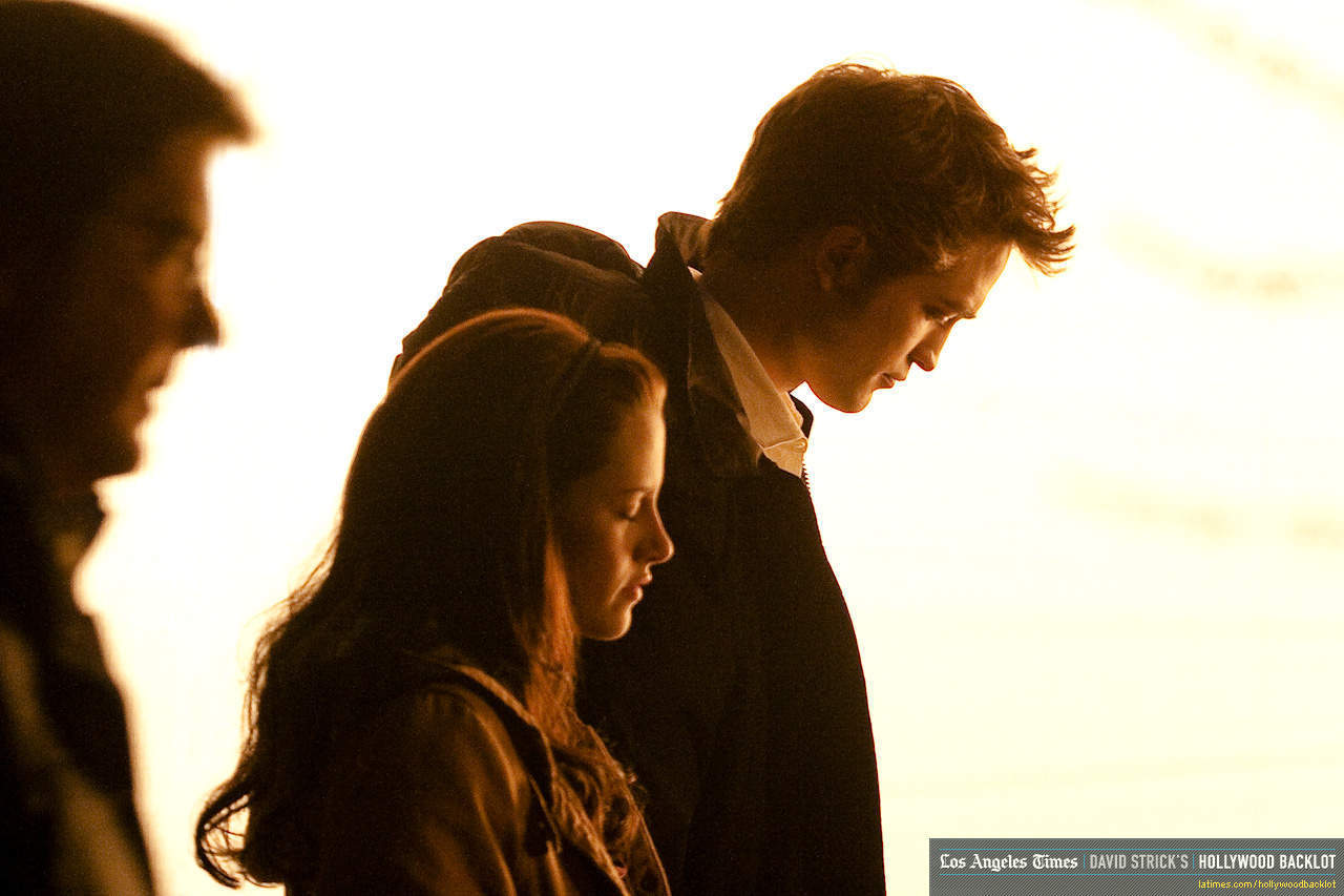 Edward and Bella...I l'amour this color in it!