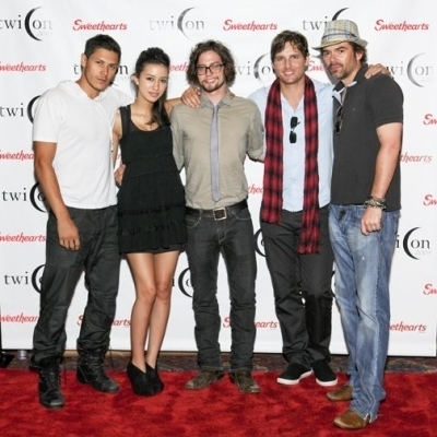 http://images2.fanpop.com/images/photos/8200000/Jackson-Rathbone-jackson-rathbone-8275563-400-400.jpg