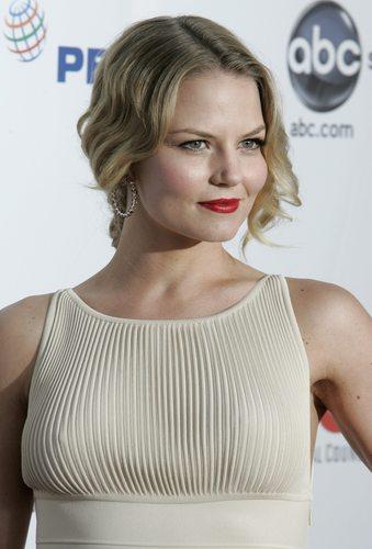 Jennifer @ ALMA Awards