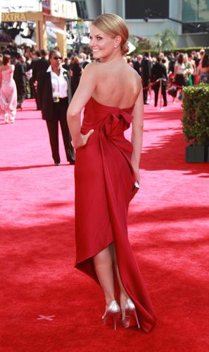Jennifer Morrison on the Red Carpet @ the 2009 Emmy Awards