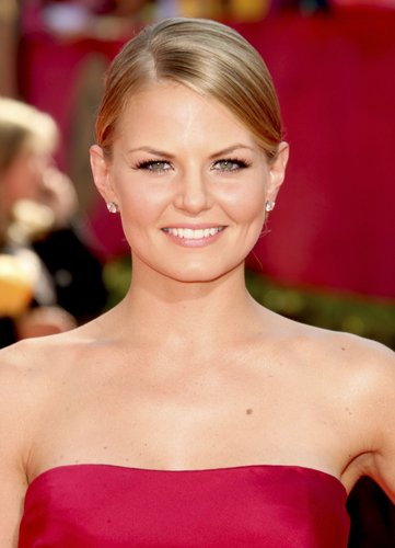 Jennifer Morrison on the Red Carpet @ the 2009 Emmy Awards