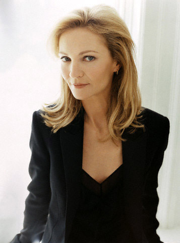 Pelakon wanita kertas dinding with a well dressed person titled Joan Allen