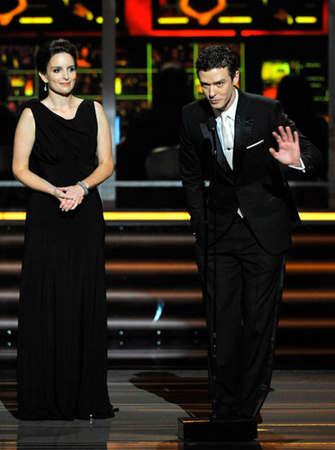Justin at 61st annual emmy awards  - justin-timberlake Photo