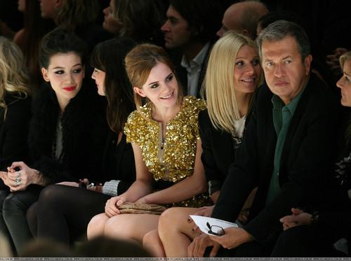 Londres Fashion Week 2009 - impermeável, burberry