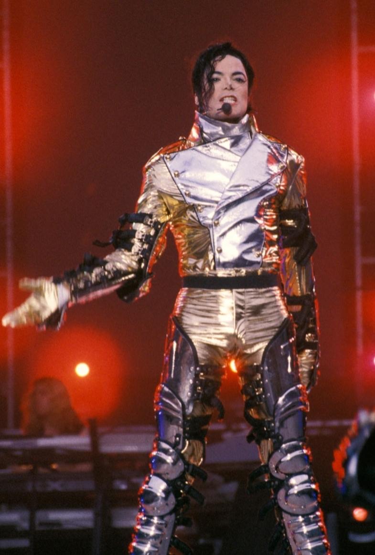 MJ in Золото (History Tour)