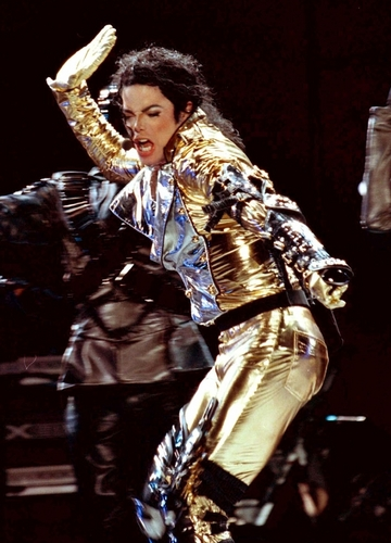 MJ in dhahabu (History Tour)