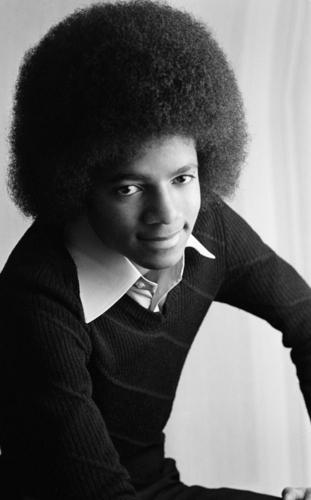 MJ)))