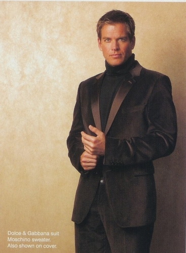 Michael Weatherly kertas dinding containing a business suit, a well dressed person, and a suit called Michael Weatherly