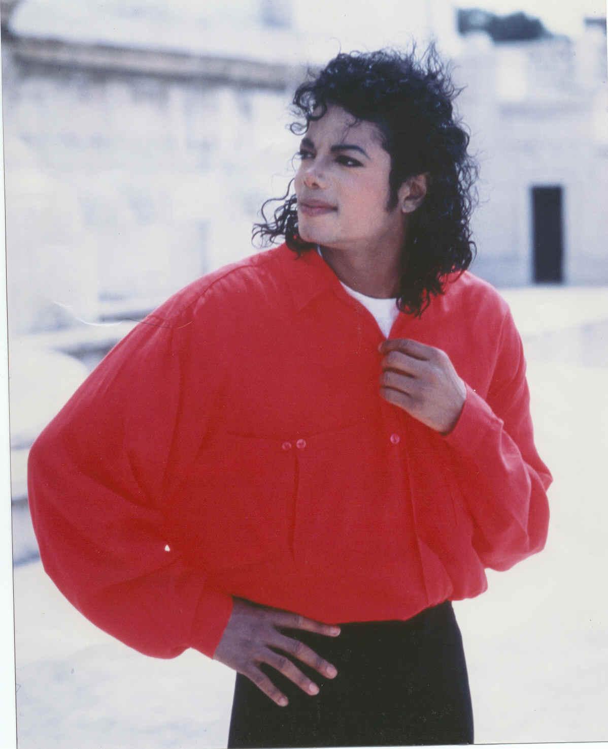 Michael-in-Rome-michael-jackson-8245464-1198-1474.jpg