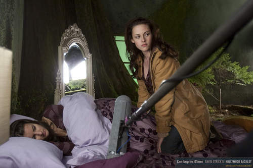 New Moon - Behind The Scenes - Bella