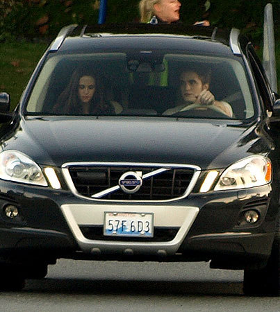 照片 GALLERY: Robert Pattinson & Kristen Stewart Film Eclipse