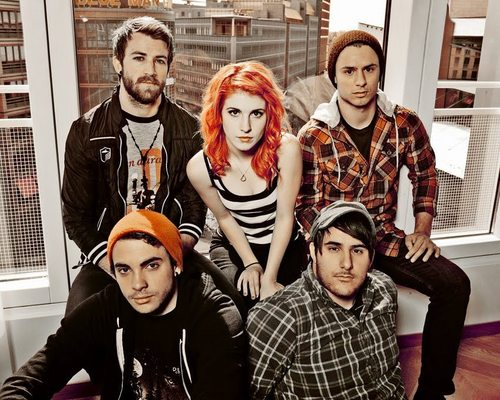 Paramore پیپر وال possibly with a portrait entitled Paramore