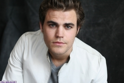 http://images2.fanpop.com/images/photos/8200000/Paul-Wesley-paul-wesley-8254609-399-266.jpg