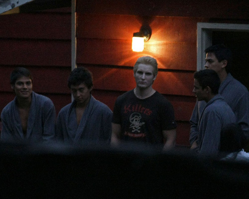 Peter & Wolf Pack On Set (September 17) - eclipse-movie photo