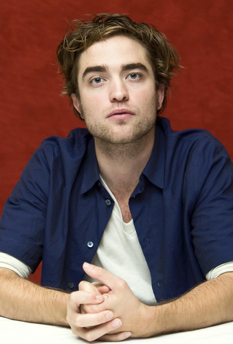 Robert Pattinson New & Old HQ Twilight Press Conference Pictures