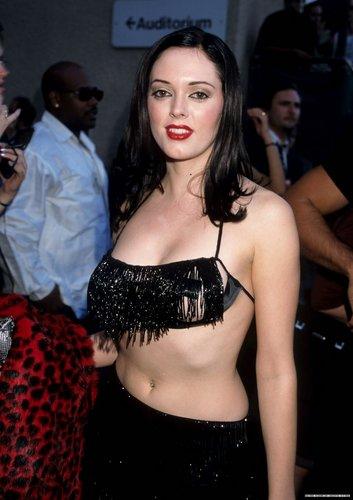 Rose at 1998 mtv música Awards After Party