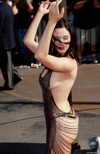 Rose at 1998 MTV music Awards