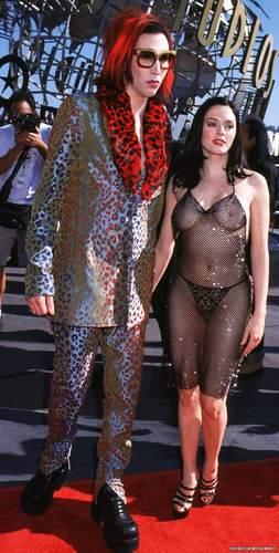 Rose at 1998 MTV موسیقی Awards