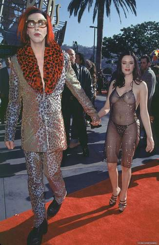 Rose at 1998 MTV Musica Awards