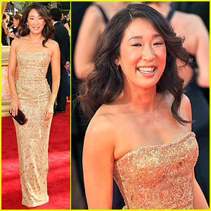 Grey's Anatomy wallpaper containing a dinner dress, a cocktail dress, and a strapless called Sandra Oh at Emmy Awards 2009