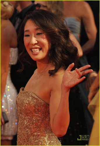 Grey's Anatomy wallpaper called Sandra Oh at Emmy Awards 2009
