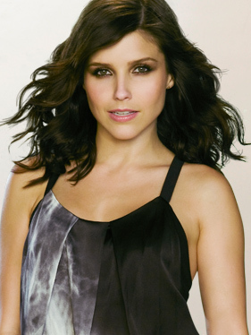 Brooke Davis wallpaper possibly containing a chemise, a cocktail dress, and a chemise called Season 7 Promo pictures Sophia Bush&Brooke Davis<3