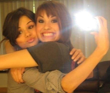 Demi Lovato Selena Gomez on Selena   Demi   Selena Gomez And Demi Lovato Photo