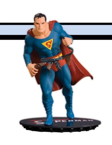 Супермен statue