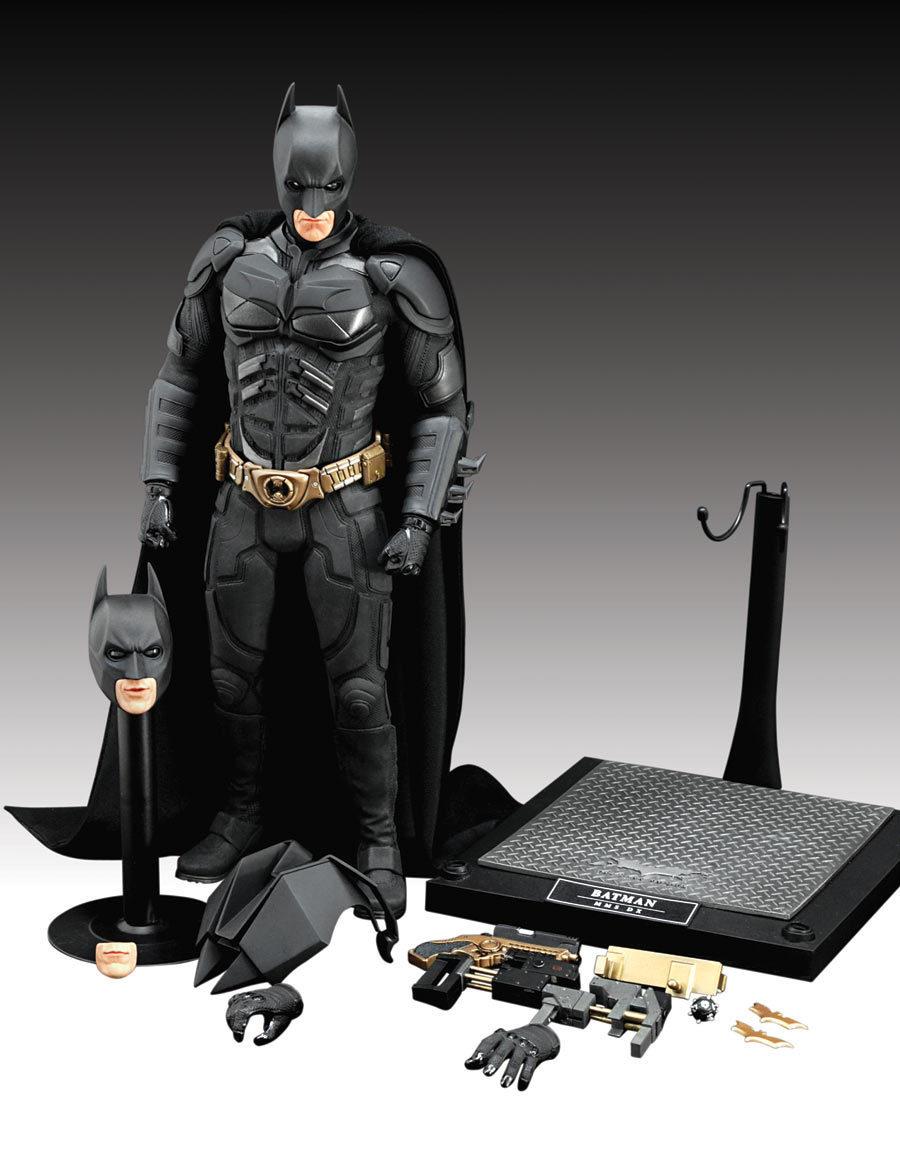 The Dark Knight Deluxe figure