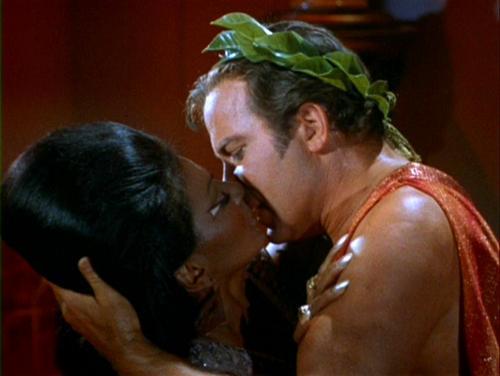 Uhura-Kirk