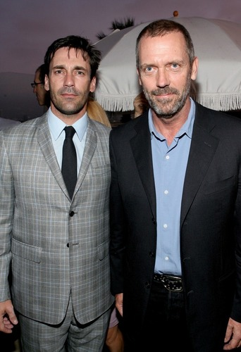 hugh laurie & jon hamm at sunset tower hotel last night for 42 below rượu vodka, vodka party for saturday night