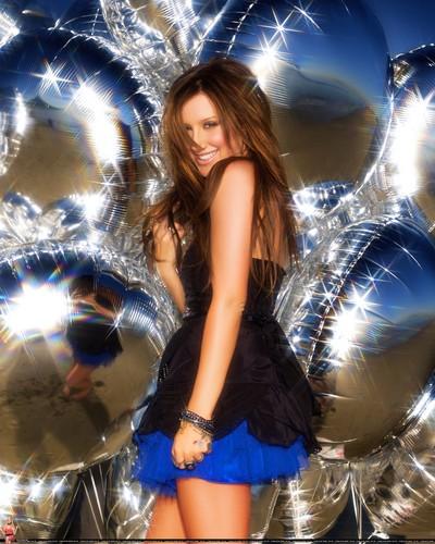 Photoshoot by Roberto D'Este - Page 2 2009-Roberto-D-Este-Guilty-Pleasure-HQ-3-ashley-tisdale-8330409-400-500