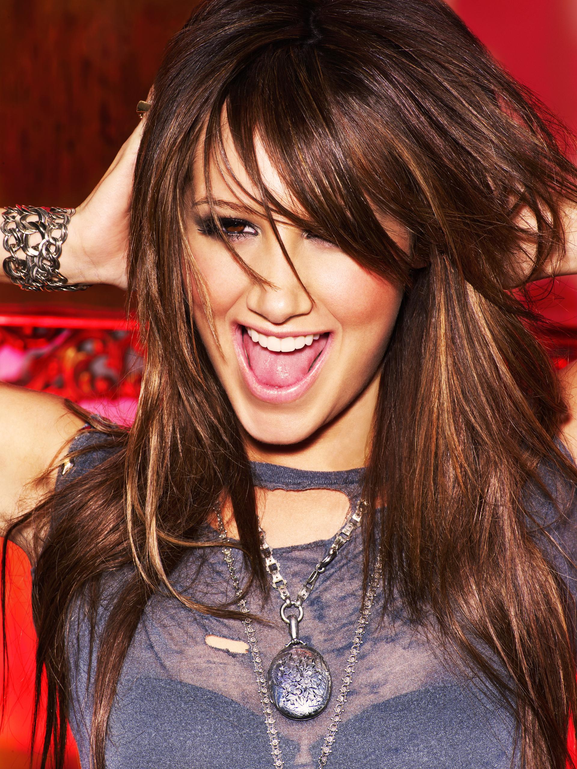 Ashley Tisdale 2009 - Roberto D'Este (Guilty Pleasure) [HQ]