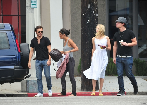Dianna Agron wallpaper possibly containing a street called Dianna Agron with Ed Westwick and Jessica Szohr