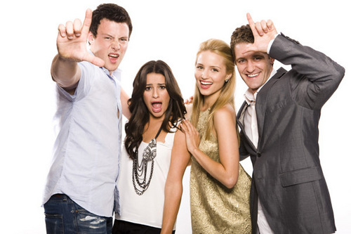 Dianna with the cast photoshoot