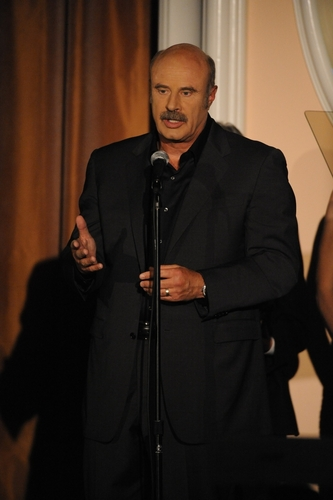 Dr. Phil accepts a 2009 PRISM Award!!!!!