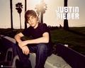 Justin দেওয়ালপত্র