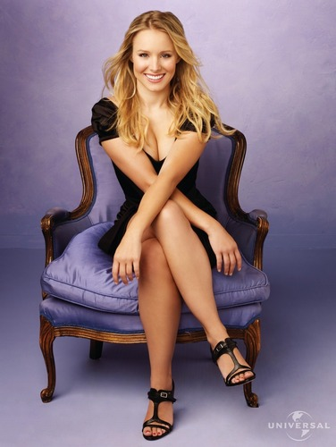 Kristen Bell wallpaper probably containing bare legs, tights, and a throne entitled Kristen Bell Cuples Retreat Promo HQ