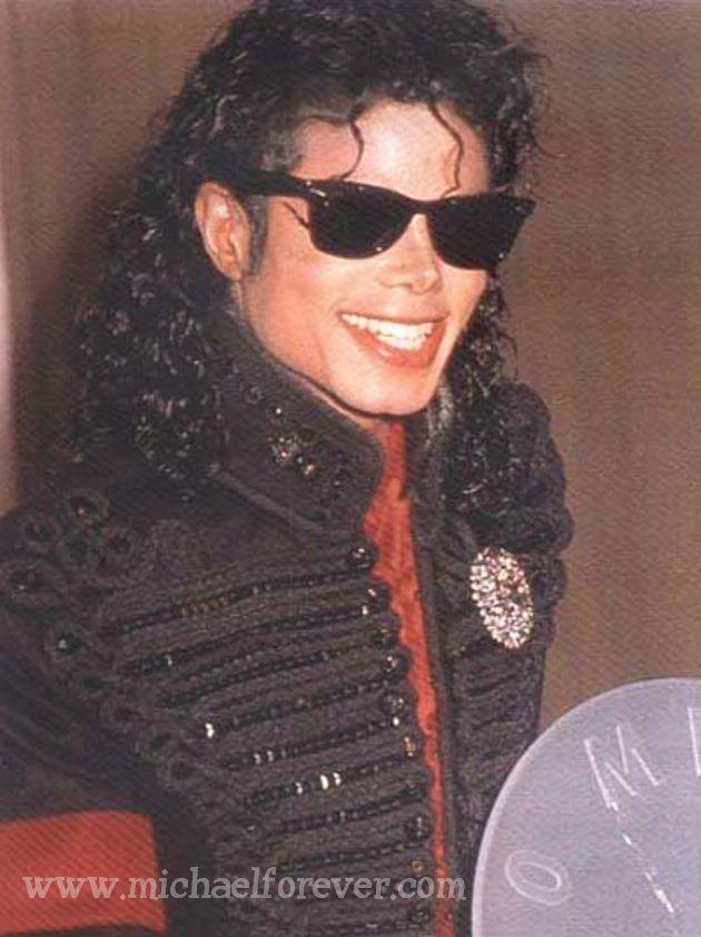 http://images2.fanpop.com/images/photos/8300000/Michael-Sexy-Jackson-michael-jackson-8308855-630-841.jpg
