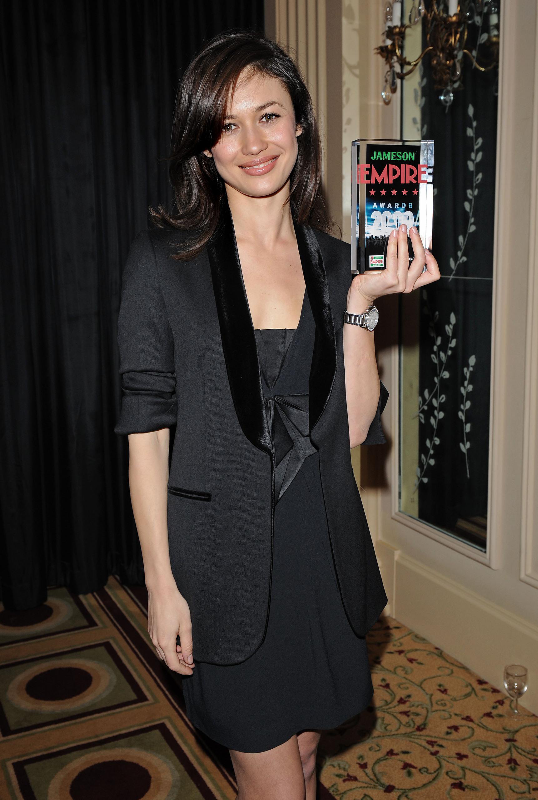 Olga Kurylenko   Empire Awards 2009 (HQ)