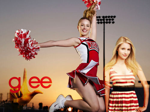 Quinn Fabray wallpaper probably containing a bouquet called Quinn the cheerleader