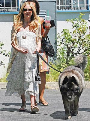 Sarah Michelle Gellar - Pregnant Summer 09