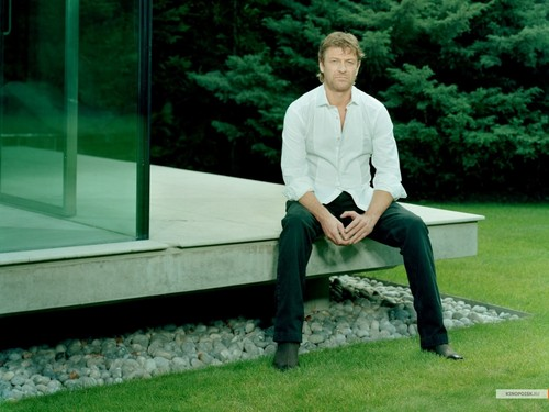 Sean Bean wallpaper with a well dressed person, a business suit, and a pantleg titled Sean Bean