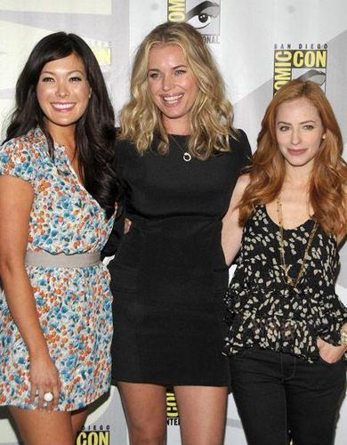 eastwick cast at comic con