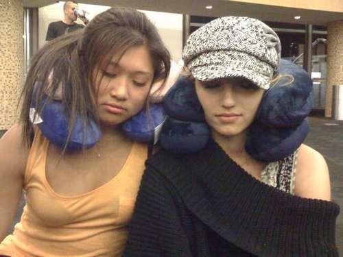 jenna+dianna are sleepy