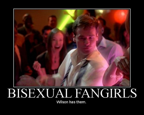 wilson and fangirls xD amor this