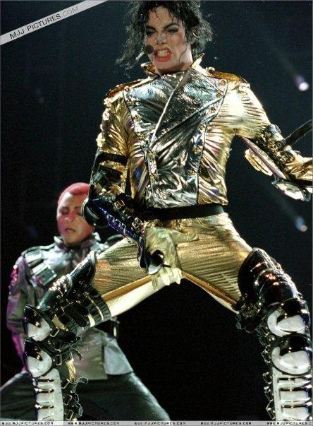 *Gold Pants* Dahoo!!! - michael-jackson photo