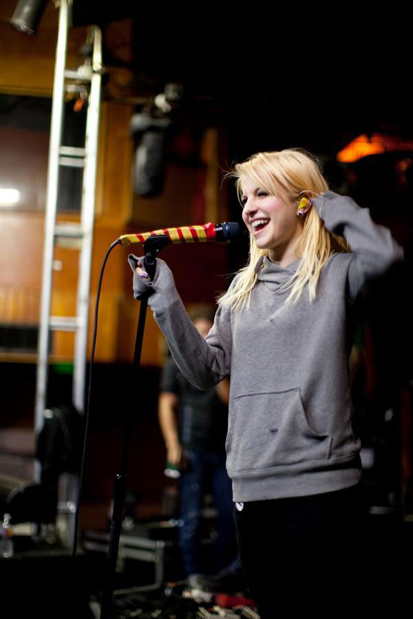 |Hayley| - brand-new-eyes photo